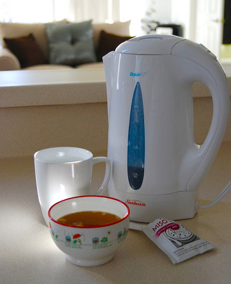Electric tea kettle and soup